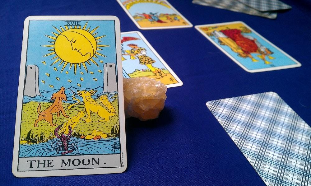 The Moon Tarot Card Meaning – Major Arcana XVIII