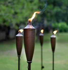 Garden torch set