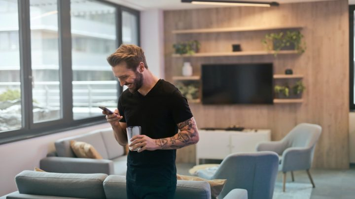 Aquarius Man Texting Style Signs He Likes You Through Text